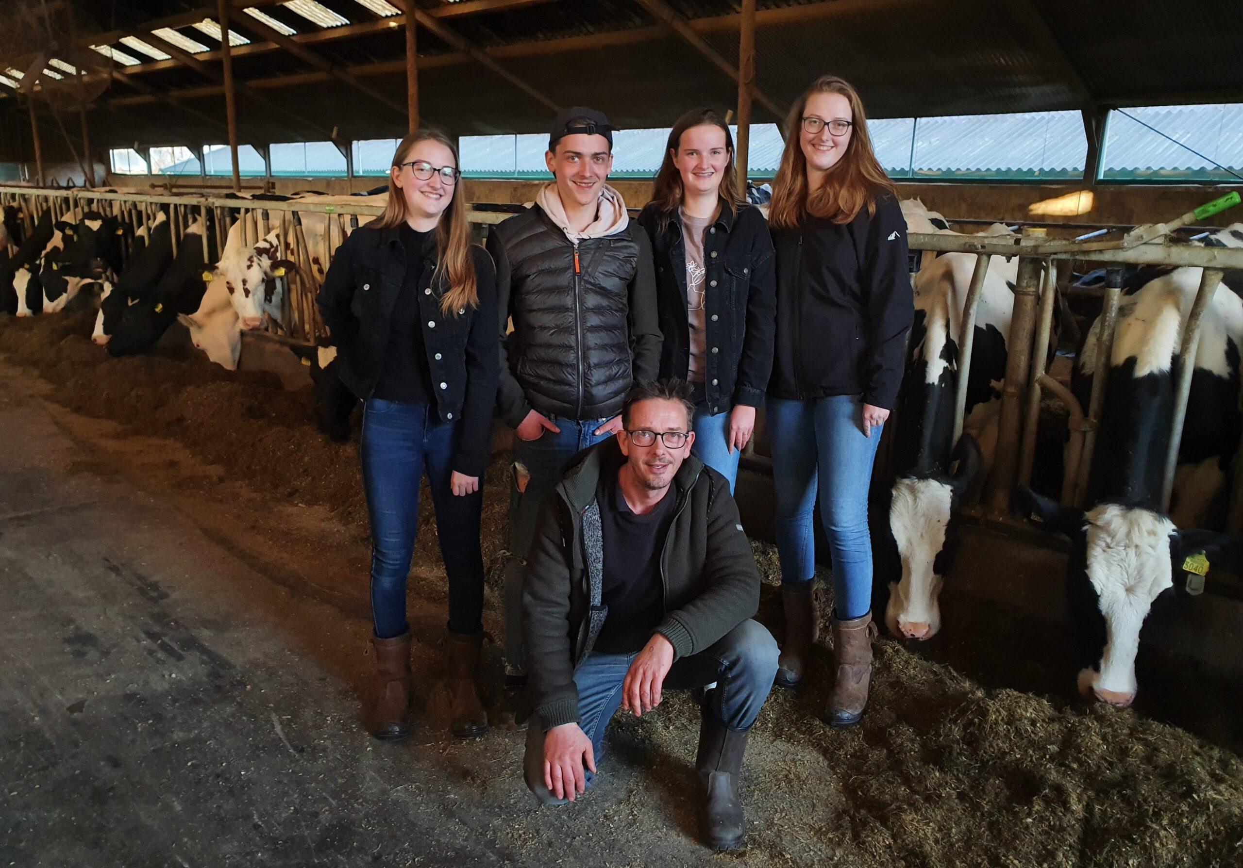 Berend Bosma, melkveehouder en vader van vier kinderen denkt aan de volgende generatie